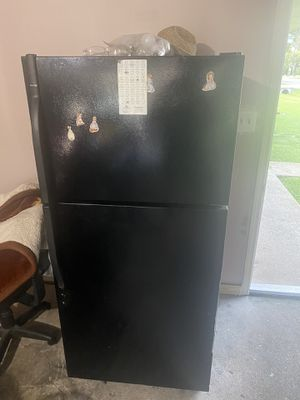 Refrigerator for Sale in Baytown, TX