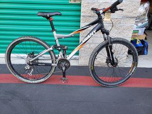 Medium size Full suspension Giant mountain bike for Sale in Irvine, CA