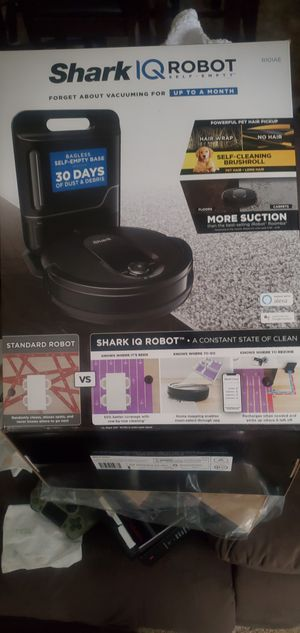 SHARK IQ SMART SELF-EMPTY VACUUMING ROBOT: Forget about it up to a month for Sale in Washington, NC