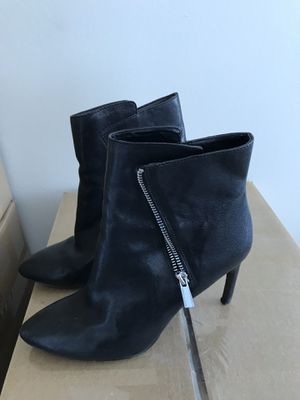 Vince Camuto booties - size 8.5 for Sale in Chicago, IL