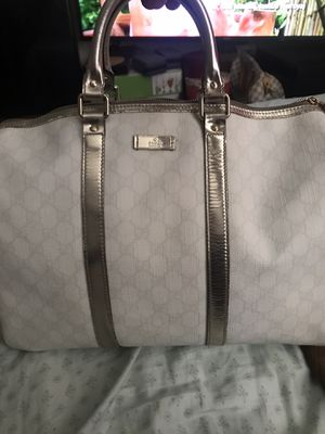 Gucci duffle bag for Sale in Suisun City, CA