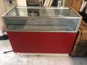 4' Showcase good condition 2' deep for Sale in St. Clair Shores, MI