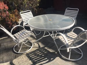 Outdoor Patio set with Swiveling chairs for Sale in Upland, CA
