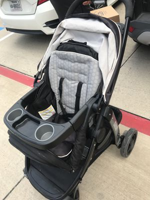 Gracias stroller/ infant car seat/ car seat base for Sale in Sachse, TX