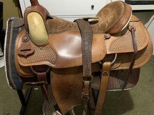 """Hereford 17"""" roping saddle for Sale in La Grange, CA"""
