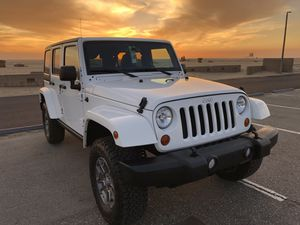 Jeep Wrangler Unlimited JKU Hardtop Low miles very clean for Sale in Huntington Beach, CA