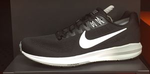 Nike Running Shoes Black and White for Sale in Anaheim, CA