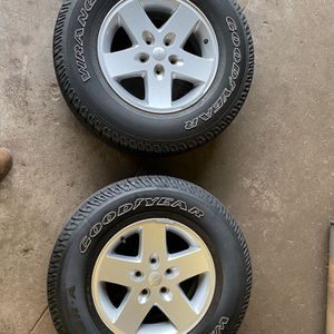 "5 17"" Jeep Wrangler Wheels/Tires Lock Lugs/lug nuts for Sale in Boston, MA"