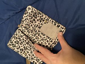 Michael Kors Cell phone wallet holder for Sale in Brick Township, NJ