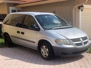 Dodge Caravan 2002 for Sale in Miami, FL