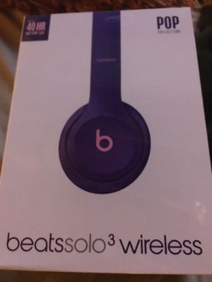 Brand new beats solo 3 wireless headphones pop purple for Sale in Brook Park, OH