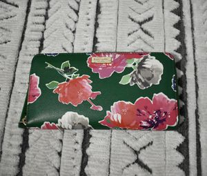 Floral Kate Spade wallet for Sale in Port St. Lucie, FL