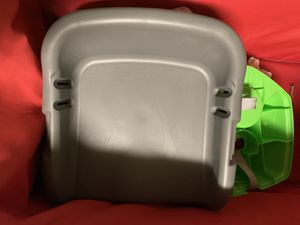 Booster seat for Sale in Cutler Bay, FL