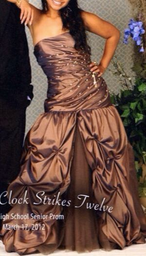 CUSTOM ORDERED PROM DRESS, Worn Only Once for Sale in Hilo, HI