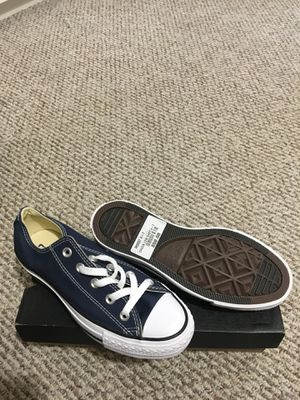 Navy blue Converse for Sale in Bowie, MD