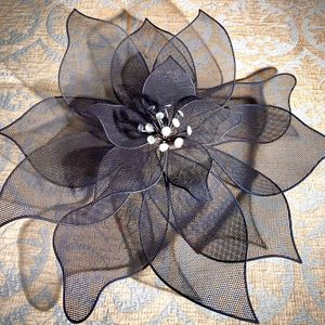 Beautiful metal art decorative wall accent W21xD3 inch Lbs 1.5 for Sale in Chandler, AZ