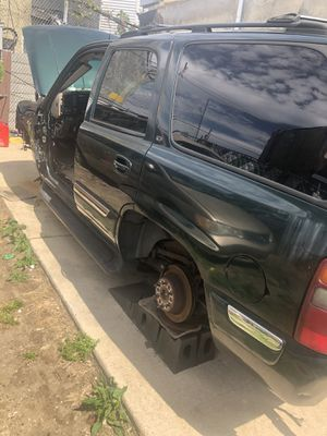 2002 GMC Yukon for parts only for Sale in Philadelphia, PA
