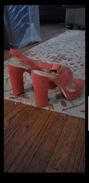 Michael kors shoes in excellent condition like new size 81/2 for Sale in Bakersfield, CA