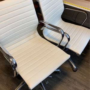 White Rolling Office Chairs for Sale in Vancouver, WA