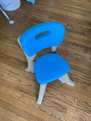 Kids Step 2 Blue Chair for Sale in Pico Rivera, CA