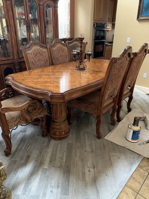 Antique Luxury Dining table for Sale in Ceres, CA