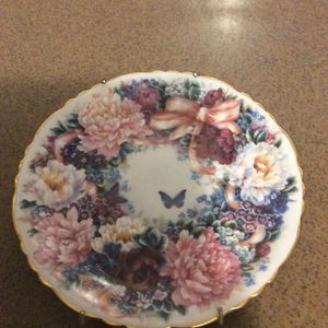 Decorative Plate for Sale in Frostproof, FL