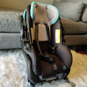 Baby Trend Car Seat for Sale in Peninsula, OH
