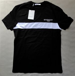 Black givenchy t shirt for Sale in Miami, FL