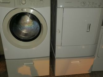 STACKABLE OR SIDE BY SIDE WASHER/DRYER for Sale in Salem,  OR