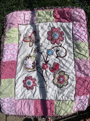 Flower/butterfly baby bedding for Sale in Franklin Park, IL