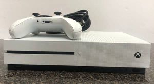 Xbox One 1 S 500GB for Sale in Goodyear, AZ