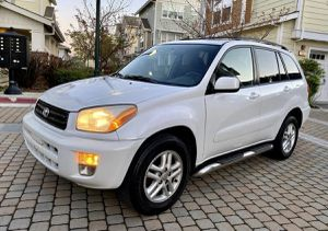 Urgent for sale.Beautiful 2002 TOYOTA RAV4 Needs.Nothing 2WDWheelss for Sale in Boston, MA