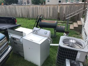 Whirlpool washer and dryer all in working condition for Sale in Columbus, OH