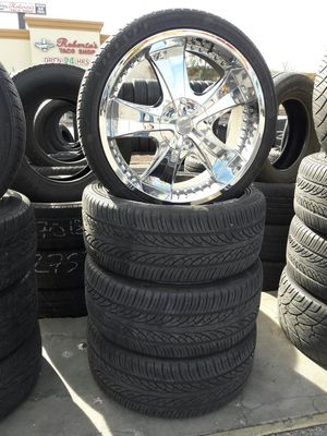 265/35/22 tires and wheels for Sale in Las Vegas, NV