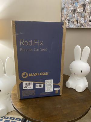 Maxi cosi RODIFIX booster car seat for Sale in Naperville, IL