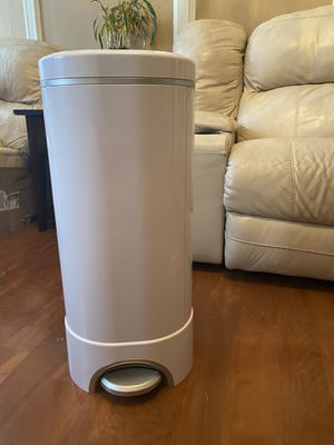 Munckin STEP Diaper Pail for Sale in The Bronx, NY