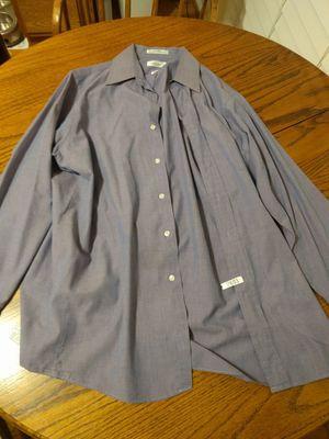 Men's Dress Shirt 15 x 32/33 Van Heusen for Sale in Fairfax, VA
