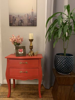 French Provincial Style Nightstand for Sale in South Gate, CA