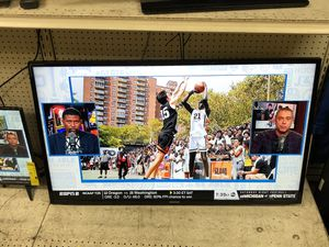 """Samsung 50"""" inch Smart TV (has wall mount) for Sale in Margate, FL"""