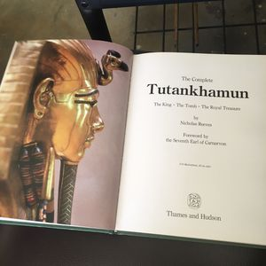 The complete Tutankhamen vintage 1990 book for Sale in Murrieta, CA