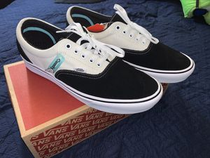 NEW VANS COMFY CUSH MENS SIZE 11.5 for Sale in Buena Park, CA
