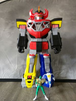 Mighty morphing power rangers megazord for Sale in Marina del Rey, CA