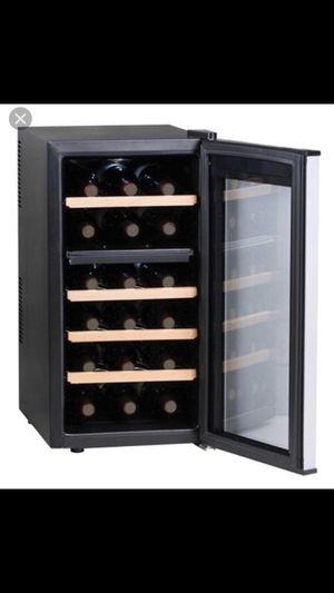 Haier 18 Bottle Wine Cellar Dual Zone for Sale in Miami, FL