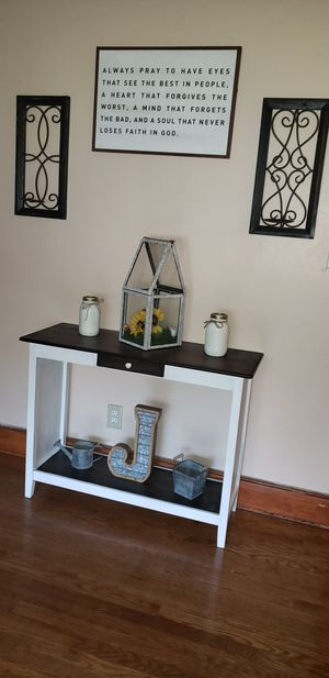 Small coffee bar or book shelf for Sale in Anderson, SC