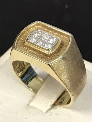 14 K yellow gold diamond man's ring for Sale in Riverview, MI