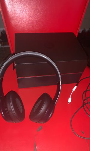 WIRELESS/WIRED BEATS HEADPHONES W/CORD AND ADAPTER for Sale in Port St. Lucie, FL