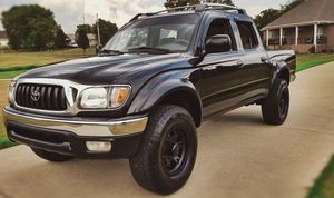 Excellent 2003 Toyota Tacoma Crew SR5 Clean Title_Good Price 600$ for Sale in Oakland, CA