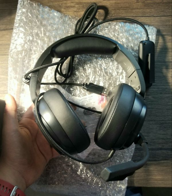 USB pro gaming headset Surround Sound Headphones with Noise Cancelling Mic- Memory Foam Ear Pads RGB Lights for Laptops