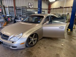 2006 Mercedes CLK500 5.0L, PARTING OUT, FOR PARTS for Sale in Dallas, TX