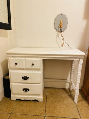 Antique desk for Sale in Long Beach, CA